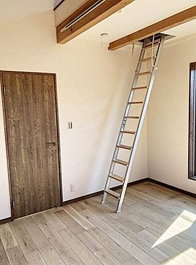 戸建賃貸-知多郡東浦町大字森岡字山之神 ロフトにつながるはしごがあります。