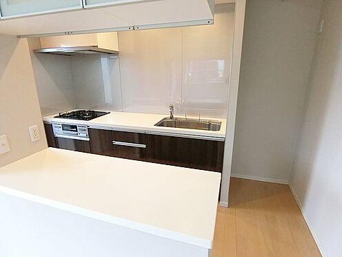 中古マンション-八王子市松木 広々とした開放的なキッチンスペース