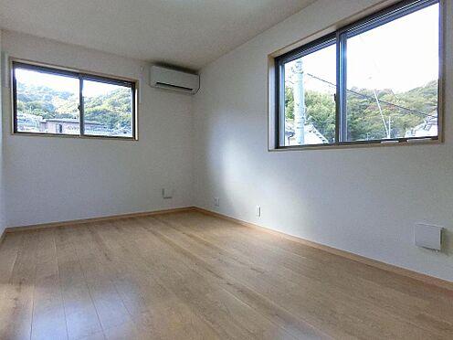 アパート-呉市阿賀中央2丁目 202号室:エアコン付き!ゆったりリビングです。