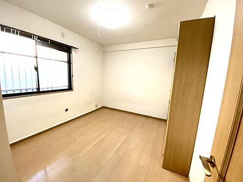 中古マンション-豊田市日南町5丁目 北側は玄関から直接お部屋に行くことが出来てプライバシー面が確保されます。