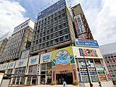 熱海駅前最大の商業ビル アタミックス名店街内の好立地熱海駅より徒歩1分の好立地です。