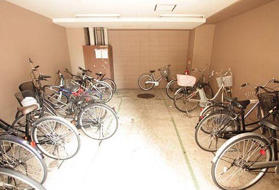 区分マンション-大阪市城東区成育2丁目 屋内駐輪場