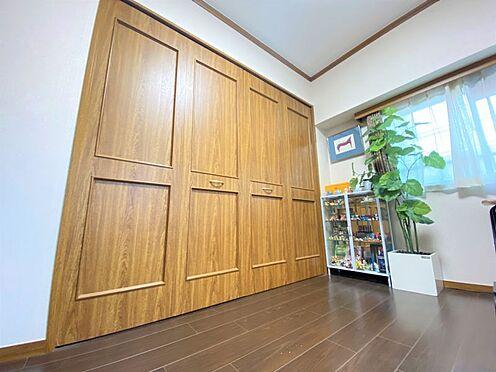 中古マンション-福岡市南区横手4丁目 広々とした収納付きの洋室です♪
