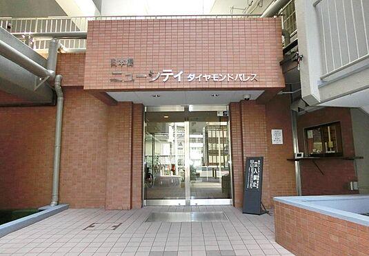 マンション(建物一部)-中央区日本橋箱崎町 タイル張りのアプローチです。