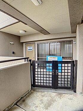 区分マンション-名古屋市南区豊田2丁目 ポーチがあるので荷物の一時置き場に使えますけます