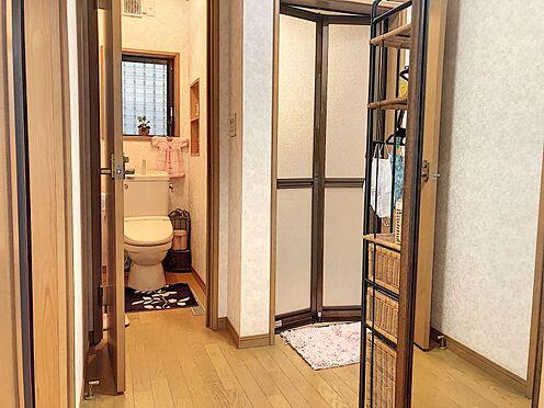 戸建賃貸-岡崎市井田町字西田 バリアフリーのトイレは小さなお子様にも安心ですね♪