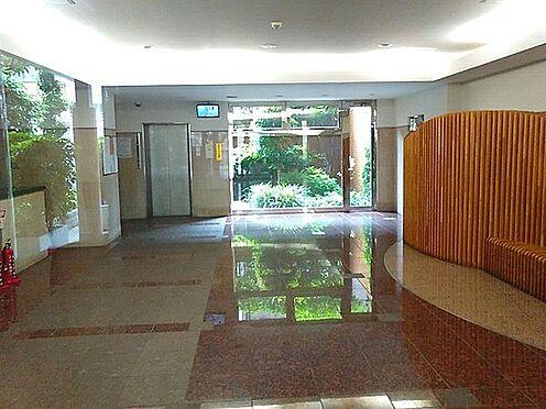 区分マンション-大阪市大正区三軒家東1丁目 明るい印象のエントランス
