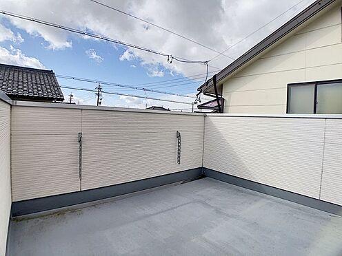 中古一戸建て-名古屋市中川区野田2丁目 広々としているのでお家でアウトドアなどもできます!壁も高めでご近所の目もあまり気になりません。