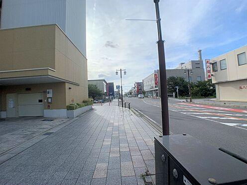 区分マンション-西尾市桜木町3丁目 ヴェルサウォーク西尾が徒歩圏内にあり、急なお買い物にもうれしい♪