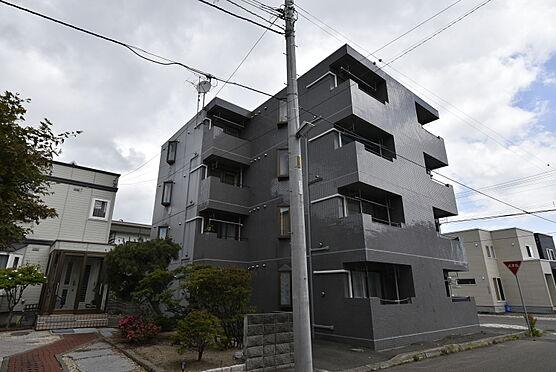 区分マンション-札幌市東区北二十三条東18丁目 南西側から見た外観写真