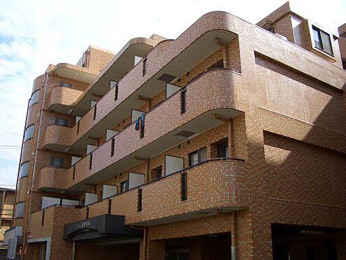 マンション(建物一部)-川崎市中原区上新城2丁目 外壁は茶色いタイル貼り施工の綺麗なマンションです