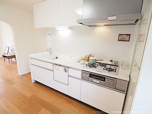 区分マンション-千葉市美浜区高浜4丁目 広々としたキッチンスペースです!