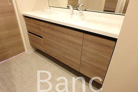 中古マンション-江東区東砂8丁目 広々と使いやすい洗面台です