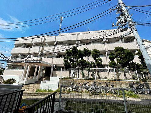 マンション(建物一部)-横浜市神奈川区白楽 バルコニー側外観の様子。タイル張りです。