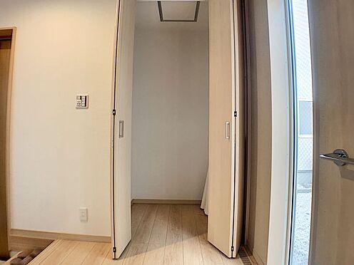 中古一戸建て-名古屋市守山区鳥羽見3丁目 玄関のすぐ横には玄関収納とは別の収納もあります!お出かけするときにすぐ準備できてとても楽ですね♪