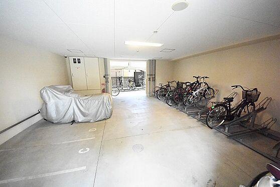 マンション(建物一部)-大阪市東淀川区東中島1丁目 駐輪場やバイク置場もあるので通勤も便利。