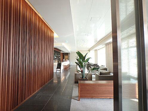 中古マンション-中央区晴海2丁目 こちらは2階コンシュルジュ横のカフェスペースです。待合など普段使い用に如何ですか?