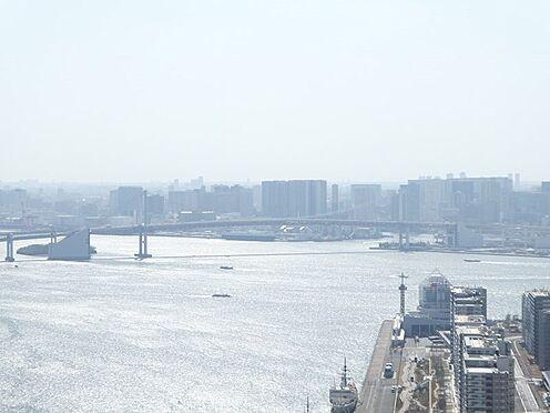 中古マンション-中央区晴海2丁目 バルコニーからの眺望。レインボーブリッジを望む