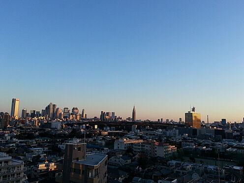 中古マンション-渋谷区松濤2丁目 北東バルコニーからの夜景です。(眺望は永続的に保証されるものではありません。)
