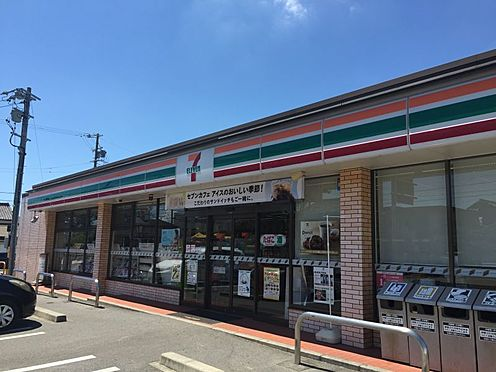 土地-西尾市吉良町上横須賀的場 セブンイレブン吉良上横須店 約880m(徒歩約11分)