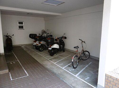 区分マンション-神戸市灘区鶴甲3丁目 屋内駐輪スペースあり