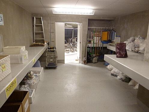 マンション(建物一部)-川口市芝新町 ゴミ置場は24時間利用可能です。