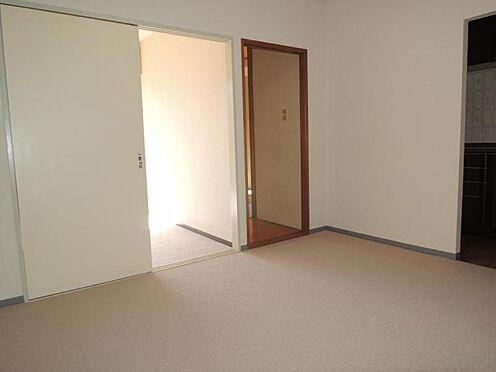 マンション(建物一部)-横浜市南区別所7丁目 居間
