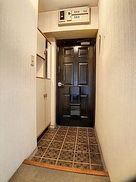 区分マンション-福岡市中央区港3丁目 収納豊富な玄関です。