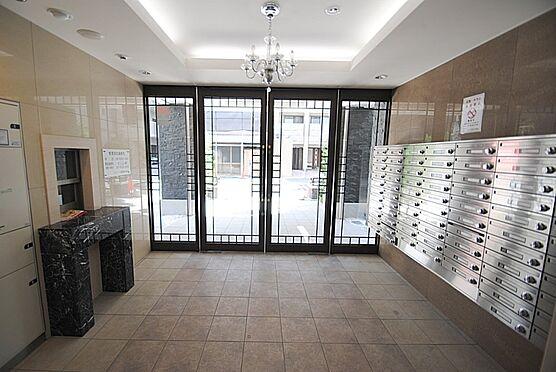 マンション(建物一部)-大阪市西区立売堀3丁目 明るく清潔感のあるエントランス。