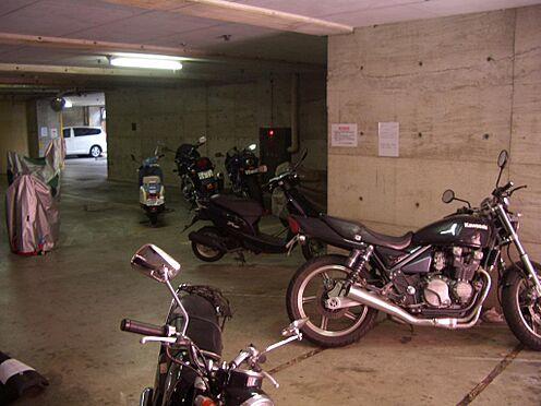 マンション(建物一部)-府中市宮西町3丁目 駐車場