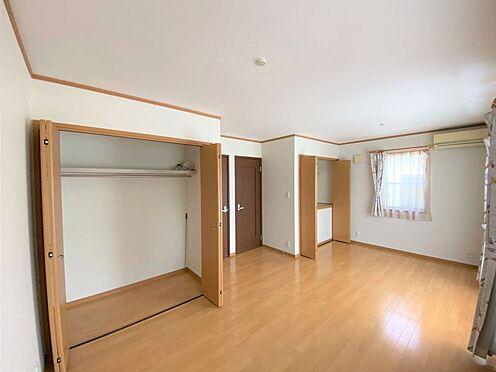 中古一戸建て-長久手市山野田 2階居室は13.9帖あり、お子様の成長に合わせて仕切ることも可能です。
