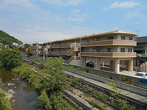 マンション(建物一部)-神戸市西区押部谷町木幡 駅からも徒歩6分と便利な立地。