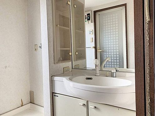 中古マンション-刈谷市小山町1丁目 収納豊富な洗面化粧台!