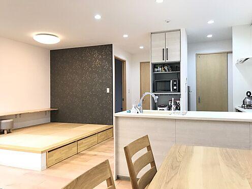 中古一戸建て-豊田市神池町2丁目 キッチン奥は洗面室へとつながっています。動線が短縮されて家事が軽減されます♪
