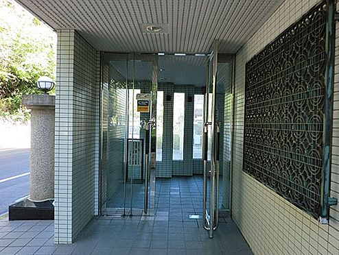 区分マンション-千葉市花見川区宮野木台1丁目 毎日通るエントランスはこのようになっています