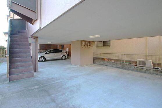 アパート-浜松市中区上島1丁目 駐車スペース(建物1階部分) 各戸×2台分の駐車場完備