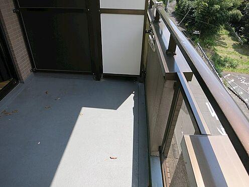 中古マンション-熱海市西熱海町2丁目 バルコニー約6.70m2、テラス用のテーブルセットも置けます。