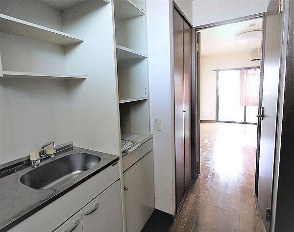 画像8:キッチン